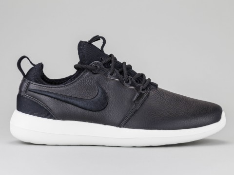 NIKE ROSHE TWO Woman 881187-001