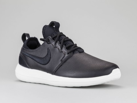 on sale 4a158 4d77e NIKE ROSHE TWO Woman 881187-001