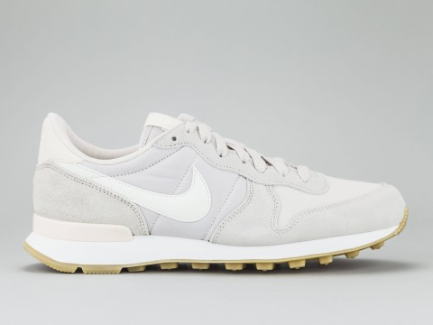 NIKE WOMAN INTERNATIONALIST Woman 828407-028