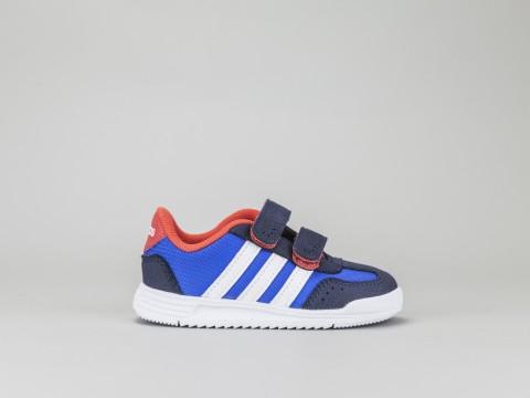adidas con strisce rosse e blu