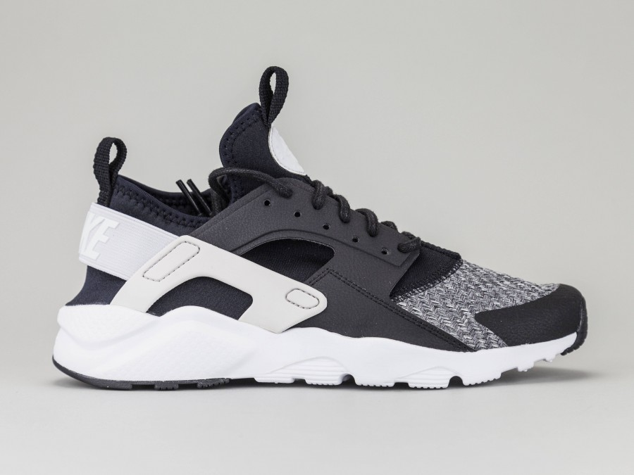 best website 95c57 233f7 NIKE AIR HUARACHE ULTRA IF GS Child 942121-008 Color BLACK Nike Size Shoes  38